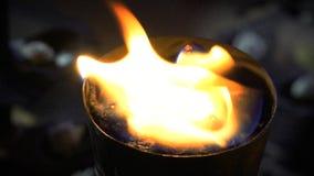 Πυρκαγιά στο δοχείο απόθεμα βίντεο