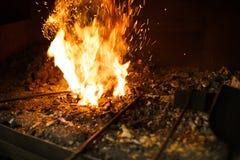 Πυρκαγιά φούρνων σιδηρουργών στοκ εικόνα με δικαίωμα ελεύθερης χρήσης
