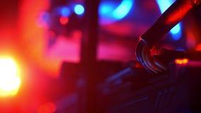 Πυροβολισμός του καλωδίου κινηματογραφήσεων σε πρώτο πλάνο του υπολογιστή, απεικόνιση λεπτομερειών, ηλεκτρονική απόθεμα βίντεο