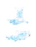 Πυροβοληθε'ν σύνολο γυαλιού των χαπιών softgel που απομονώνεται Στοκ Εικόνες