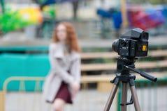 Πυροβολισμός πορτρέτου στη κάμερα ταινιών Στοκ Φωτογραφία