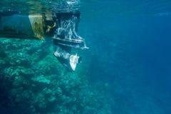 Πυροβολισμός σκαφών από το νερό Στοκ εικόνα με δικαίωμα ελεύθερης χρήσης