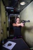 Πυροβολισμός στη σειρά στοκ εικόνα με δικαίωμα ελεύθερης χρήσης