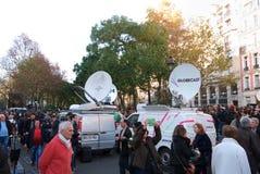 Πυροβολισμός Bataclan τηλεοπτικών φορτηγών Στοκ Φωτογραφία