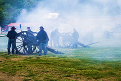 Πυροβόλα εμφύλιου πολέμου που βάζουν φωτιά στη μάχη Buchanan Στοκ φωτογραφία με δικαίωμα ελεύθερης χρήσης