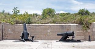 Πυροβόλα ενός παλαιού οχυρού Στοκ φωτογραφία με δικαίωμα ελεύθερης χρήσης