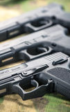 πυροβόλα όπλα που τίθεντ&alph Στοκ Φωτογραφία