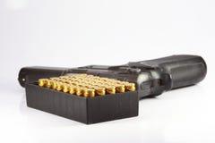 Πυροβόλο όπλο και σφαίρα στοκ φωτογραφίες