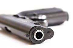 Πυροβόλο όπλο που απομονώνεται σε ένα λευκό Στοκ Εικόνες