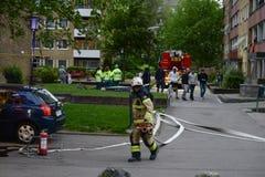 Πυροσβέστες στη σκηνή, Σουηδία στοκ εικόνες