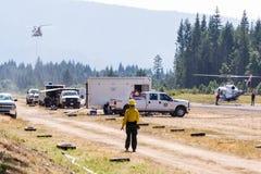 Πυροσβέστες στον αερολιμένα στοκ φωτογραφίες με δικαίωμα ελεύθερης χρήσης