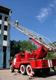 Πυροσβέστης στα σκαλοπάτια Στοκ Εικόνες