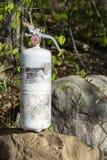Πυροσβεστήρας σε έναν βράχο Στοκ Εικόνες