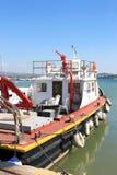 Πυροσβεστικό πλοίο στο λιμάνι Talamone, Ιταλία Στοκ φωτογραφία με δικαίωμα ελεύθερης χρήσης