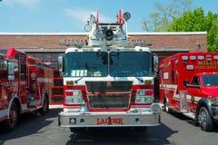 Πυροσβεστικό όχημα στο διαμέρισμα πυρκαγιάς σε Millis, μΑ, ΗΠΑ Στοκ Εικόνες