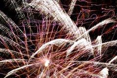 Πυροτεχνήματα διακοπών στον ουρανό στοκ εικόνες με δικαίωμα ελεύθερης χρήσης