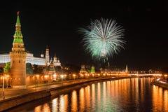 12 2011 πυροτεχνήματα Ιούνιος Κρεμλίνο Μόσχα πέρα από τη Ρωσία Στοκ Εικόνες