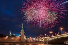 12 2011 πυροτεχνήματα Ιούνιος Κρεμλίνο Μόσχα πέρα από τη Ρωσία Στοκ Φωτογραφίες
