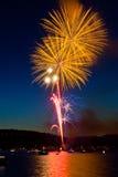 πυροτεχνήματα κίτρινα Στοκ φωτογραφίες με δικαίωμα ελεύθερης χρήσης