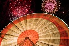 Πυροτεχνήματα και ρόδα Ferris Στοκ Εικόνες