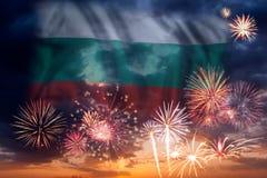 Πυροτεχνήματα και σημαία της Βουλγαρίας απεικόνιση αποθεμάτων