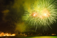 πυροτεχνήματα πράσινα Στοκ εικόνα με δικαίωμα ελεύθερης χρήσης