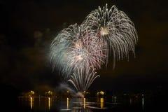 Πυροτεχνήματα στη λίμνη Στοκ Εικόνες