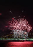 Πυροτεχνήματα στις 14 Ιουλίου εορτασμών ημέρας στη Νίκαια Στοκ φωτογραφία με δικαίωμα ελεύθερης χρήσης
