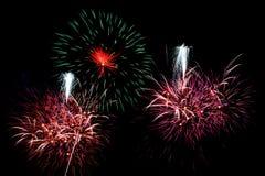 Πυροτεχνήματα στο σκοτεινό ουρανό Στοκ Εικόνα