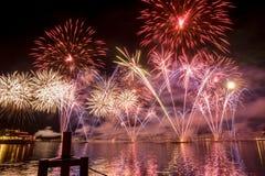 Πυροτεχνήματα της Γενεύης Ελβετία στη λίμνη Στοκ Φωτογραφίες