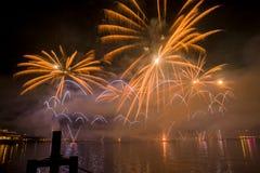 Πυροτεχνήματα της Γενεύης Ελβετία στη λίμνη Στοκ εικόνες με δικαίωμα ελεύθερης χρήσης