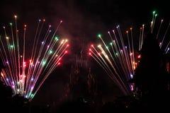 Πυροτεχνήματα του Παρισιού θερέτρου Disneyland Στοκ Εικόνα
