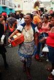 πωλητής οδών κατά τη διάρκεια του καρναβαλιού στοκ φωτογραφία