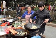 πωλώντας γυναίκες pengzhou τροφίμων της Κίνας Στοκ Εικόνα
