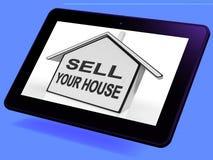 Πωλήστε την εγχώρια ταμπλέτα σπιτιών σας παρουσιάζει στη λίστα ακίνητη περιουσία ελεύθερη απεικόνιση δικαιώματος