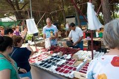 Πωλητές στην αγορά Lloret de Mar Στοκ Εικόνα