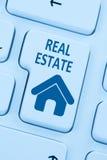 Πωλώντας αγοράς ακίνητων περιουσιών Ιστός υπολογιστών εγχώριων εικονιδίων σε απευθείας σύνδεση μπλε Στοκ εικόνα με δικαίωμα ελεύθερης χρήσης
