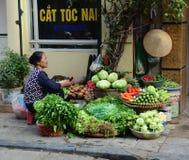 Πωλώντας λαχανικά γυναικών σε Dalat, Βιετνάμ Στοκ εικόνα με δικαίωμα ελεύθερης χρήσης