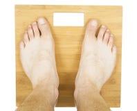Πόδια ατόμων στην κλίμακα στοκ εικόνες