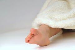 πόδια κοριτσιών λίγα Στοκ εικόνες με δικαίωμα ελεύθερης χρήσης
