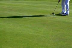 Πόδια του παίζοντας γκολφ προσώπων Στοκ Φωτογραφία