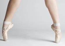 πόδια s χορευτών μπαλέτου Στοκ εικόνα με δικαίωμα ελεύθερης χρήσης