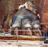Πόδι λιονταριών στο βράχο λιονταριών Sigiriya ή Sinhagiri Στοκ Εικόνες