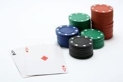 πόκερ ζευγαριού τσιπ άσσων Στοκ Εικόνες
