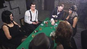 Πόκερ παιχνιδιού μαφίας στον πίνακα φιλμ μικρού μήκους