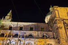 Πόλης άποψη του Ραγκούσα νύχτας, Σικελία, Ιταλία Στοκ Φωτογραφίες