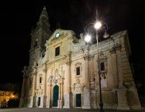 Πόλης άποψη του Ραγκούσα νύχτας, Σικελία, Ιταλία Στοκ Φωτογραφία