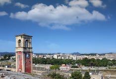 Πόλης εικονική παράσταση πόλης της Κέρκυρας πύργων ρολογιών στοκ εικόνες με δικαίωμα ελεύθερης χρήσης