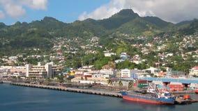Πόλη και λιμένας στην ακτή του τροπικού νησιού Kingstown, Άγιος Vincent και Γρεναδίνες φιλμ μικρού μήκους