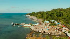 Πόλη και λιμένας στο νησί Balabac, Palawan, Φιλιππίνες απόθεμα βίντεο